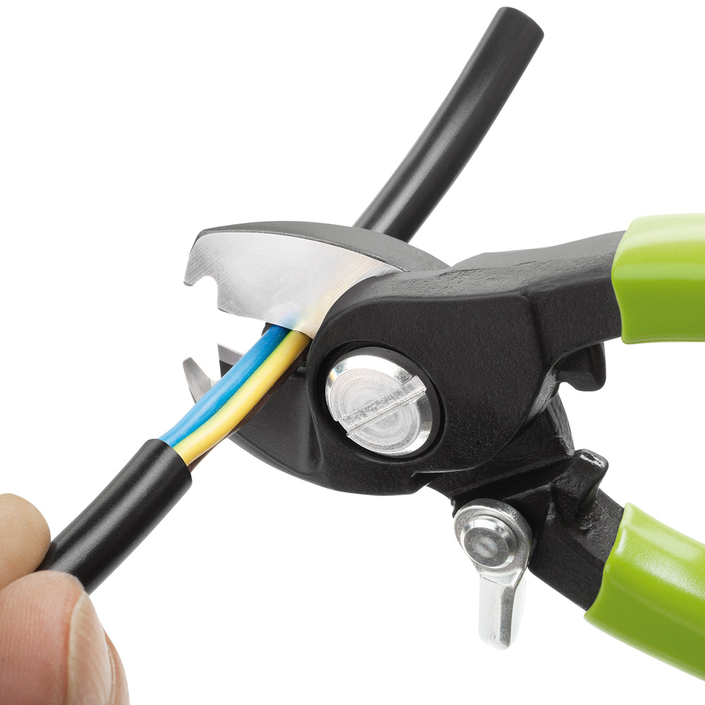Compact Cable Cutter With Integrated Insulation Stripper